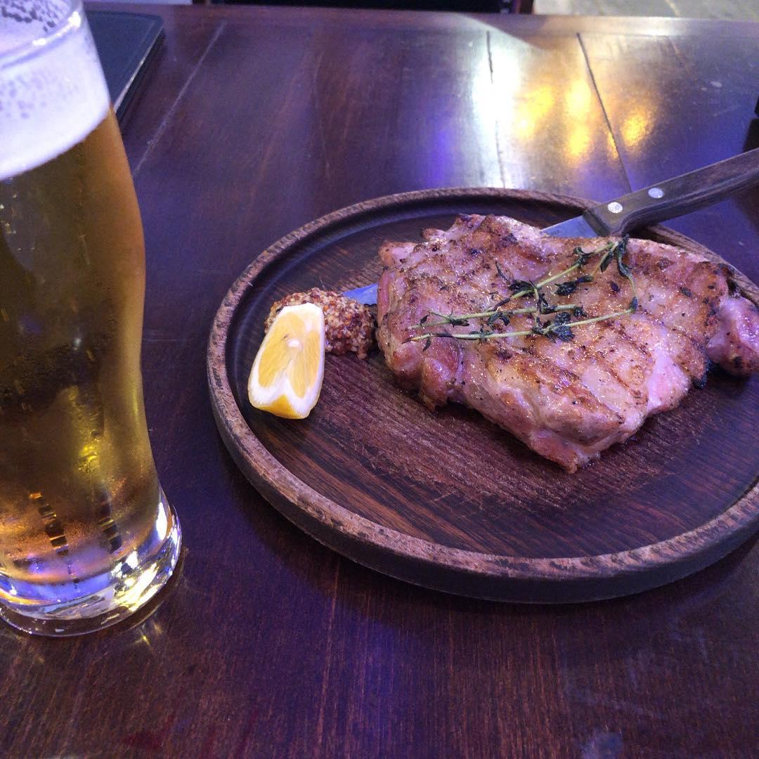 なんばOrquesta 鶏 もも肉の炭火焼き #美味