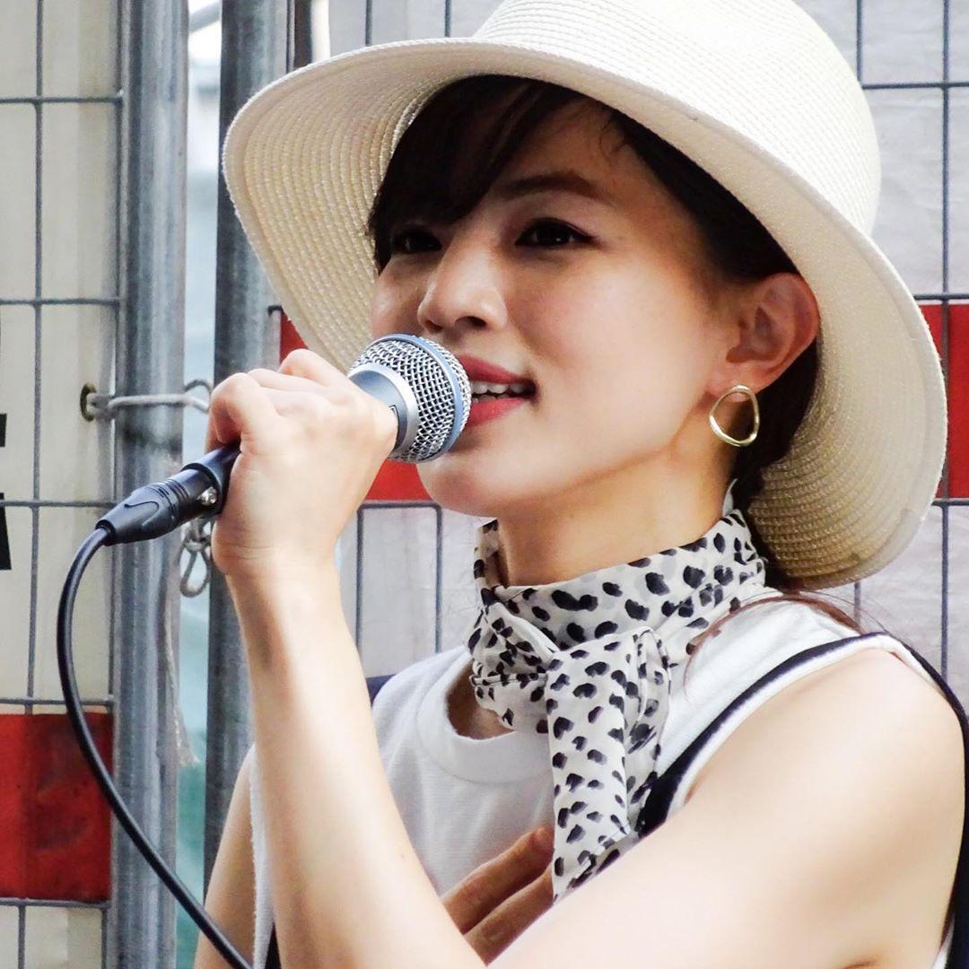 平山ナミちゃん 梅田ストリート 一日中iPhoneを忘れてました。SONYのコンデジ