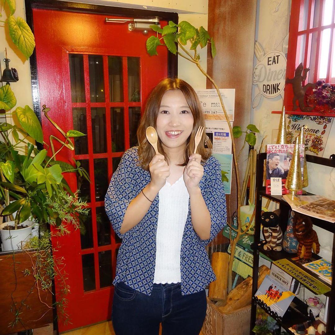 @maaaayu1024 上田マユミ  企画ライブCafe mu. オリジナルグッズ  スプーンとフォーク #食いしんぼポーズ #上田マユミ